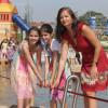 Der Wasserspielplatz bietet Spaß für die ganze Familie.
