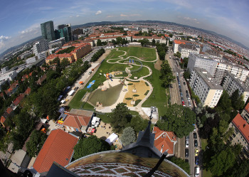 Der Wasserspielplatz erstreckt sich über eine Gesamtfläche von knapp 15.000 Quadratmeter.