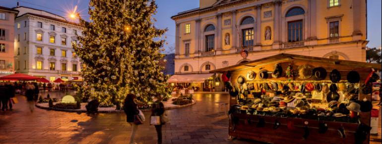 In der Vorweihnachtszeit findet der Weihnachtsmarkt in Lugano statt.
