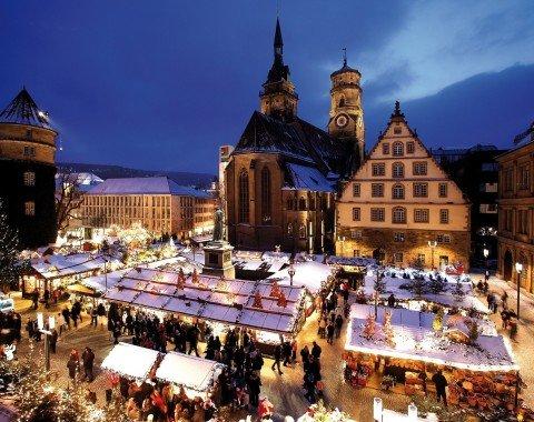 Der Weihnachtsmarkt am Abend