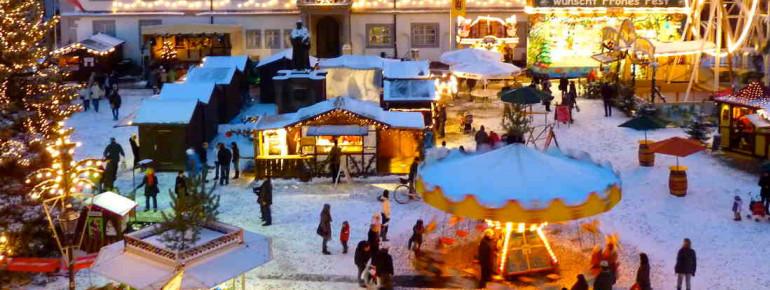Zu einer perfekte Stimmung auf dem Weihnachtsmarkt gehört natürlich Schnee.