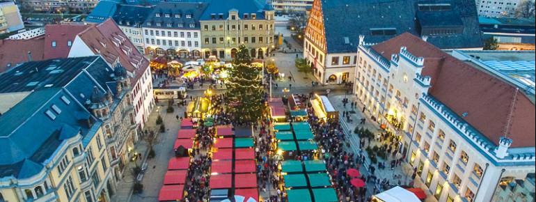 Am Zwickauer Weihnachtsmarkt kannst du erzgebirgische und vogtländische Volkskunst bestaunen.