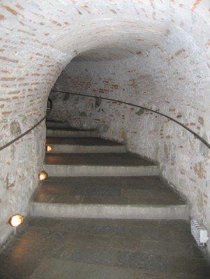 Das Treppenhaus des Turms