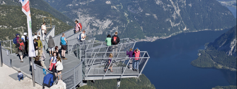 The viewing platform gets its name from its hand shape, and is accessible free of charge.
