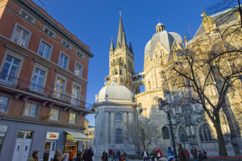 The pilgrimage church attracts believers from all over the world to Aachen.