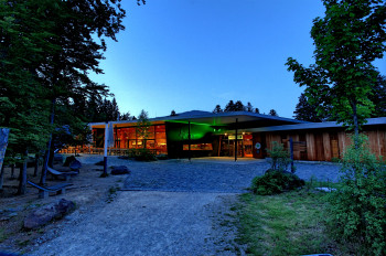 Haus der Wildnis, with its diverse offer, is a perfect destination for a family day trip.