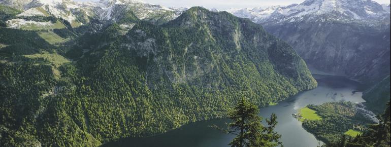 Explore the spectacular landscape around Watzmann mountain and Lake Königssee.