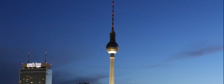 Nightly view of the tv tower in Berlin from Prenzlauer Berg.