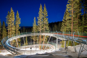 The Breathtaker Alpine Coaster at night: During Ullr Nights, the coaster is open until 8:30 pm.