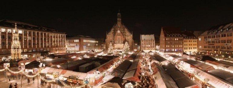 Nuremberg's Christkindlesmarkt in the evening