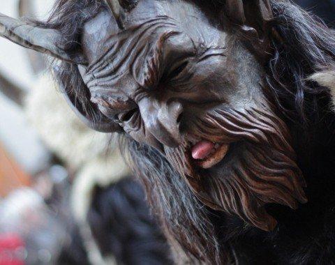 """Eerie creatures at the """"Krampuslauf"""""""