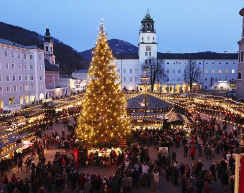 The beautiful Christmas tree at the heart of the Christkindlmarkt Salzburg