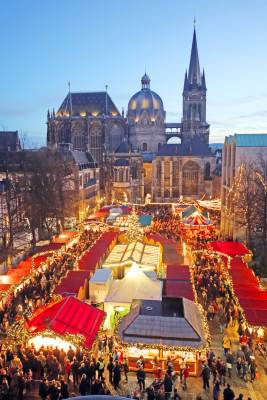 Katschhof square is the heart of Aachen's Christmas market.