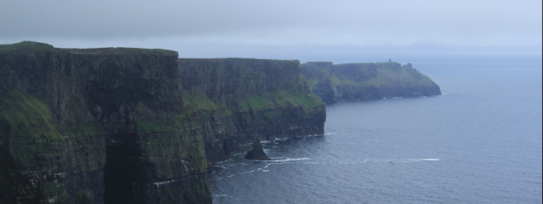 More than 700,000 visitors admire the Cliffs of Moher every year.