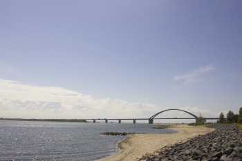 The bridge connects Fehmarn with the Schleswig-Holstein mainland.