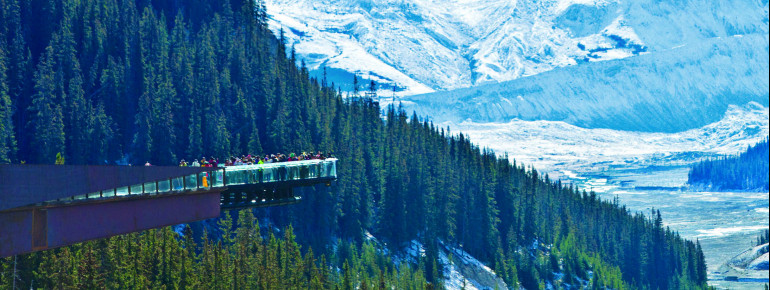 View of the Sunwapta Valley and the Glacier Skywalk.