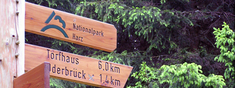 Signposts help with orientation inside the park.