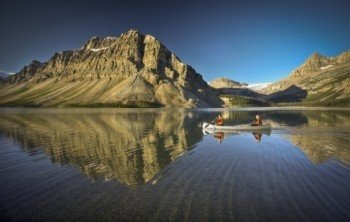 You will also see the Bow Lake on your drive down Icefields Parkway