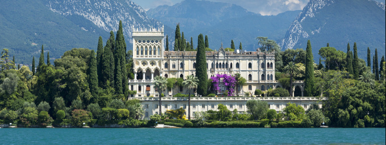 The neo-Gothic Venetian villa is still inhabited by family Cavazza.