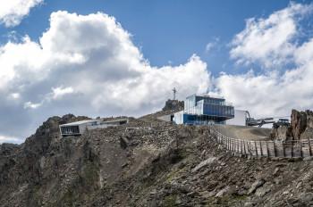 James Bond Adventure World is located right below Gaislachkogl's summit, next to ice Q restaurant.