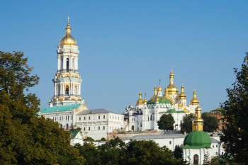 The golden domes are a typical feature of orthodox baroque buildings.