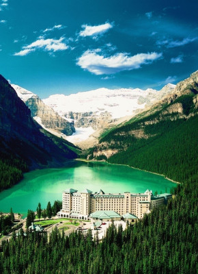 Hotel in front of the picturesque landscape scenery Lake Louise