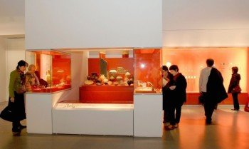 Discovering historic artefacts in the Museum of Brittany