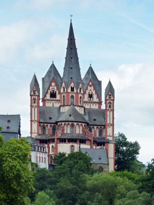 The Limburg Cathedral is accessible on several levels.