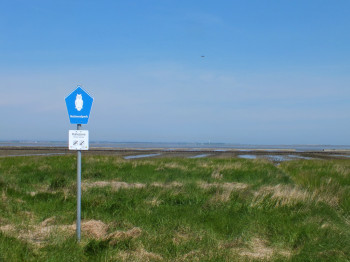 Some areas in the embankments are marked as quiet zones.
