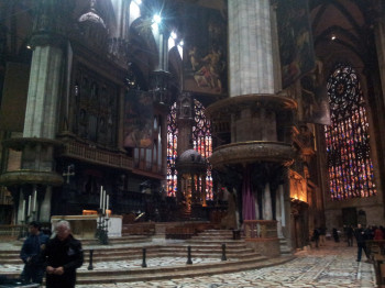 The altar is characterized by different architectural styles, which were mixed as a result of the long construction period