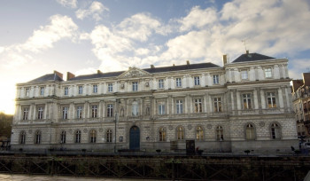 The museum is located in the city center of Rennes.