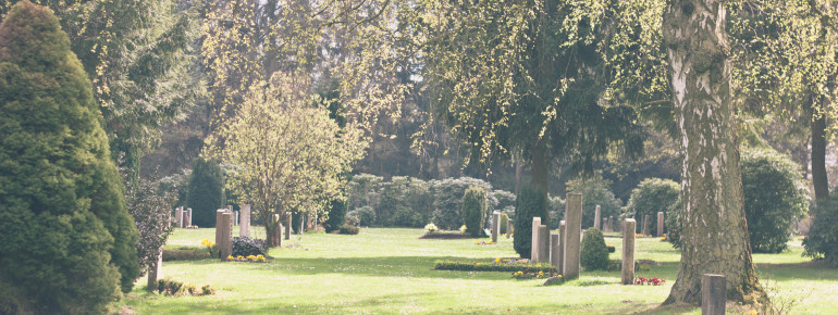 Ohlsdorf Cemetery is the world's largest park cemetery.