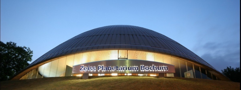 Exterior view of Zeiss Planetarium Bochum.