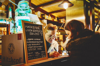 DIY - create a mulled wine to your own taste at Santa Pauli.