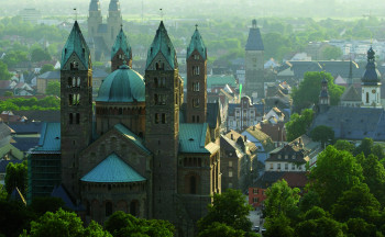 The cathedral is located in the heart of the city Speyer.
