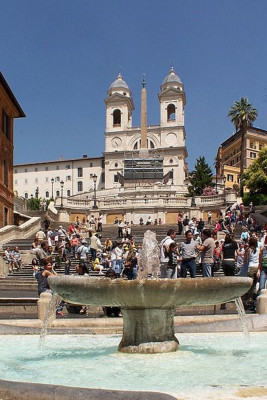 The Spanish Steps are one of the most beautiful places in Rome