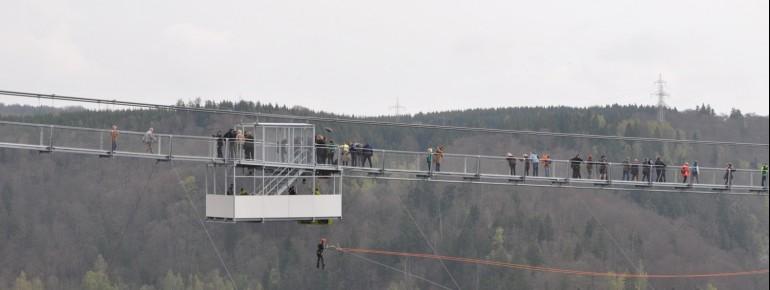 Adrenaline junkies can even dare a pendulum jump.
