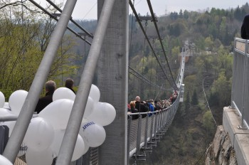 The bridge was inaugurated in May 2017, when it was the longest suspension bridge in the world.