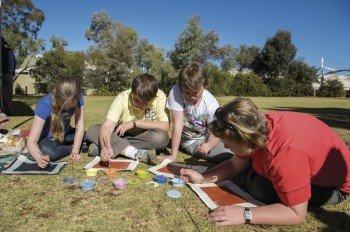 Dot Painting Workshop, Uluru-Kata Tjuta National Park