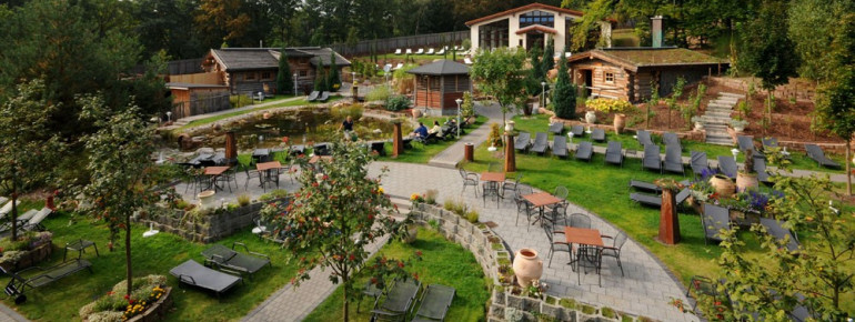 Monte Mare Kaiserslautern is embedded in a beautifully kept Tuscan garden.