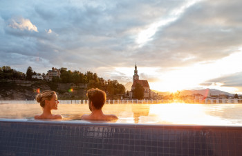 The infinity pool on the rooftop terrace is a special part of the sauna area.