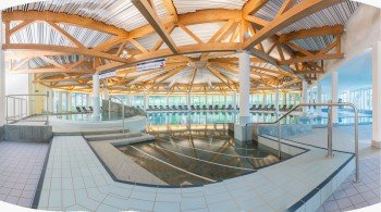 The interior of the Swiss Holiday Park Erlebnisabdes convinces with clear structures.