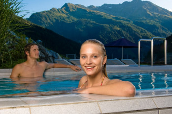The Felsentherme offers two outdoor pools