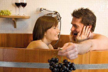 Who hasn't always wanted to bathe in wine? At the Merano Thermal Baths in South Tyrol, it's possible! The best South Tyrolean grapes are used for this special experience.