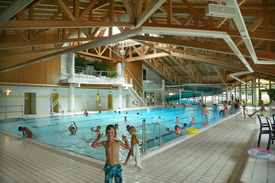 Batusa Hallenbad Holzkirchen • Schwimmen • Wellness