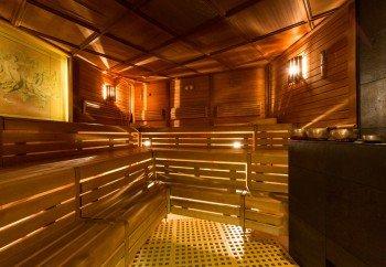 Das klassische Saunaerlebnis gibt es in der Finnischen Sauna bei 80° C.