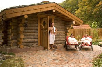 Highlight der Saunalandschaft ist das Kelo-Blockhaus im Außenbereich.