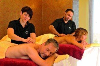 Auch Paar-Massagen werden im Spa-Bereich der Fontane Therme Neuruppin angeboten