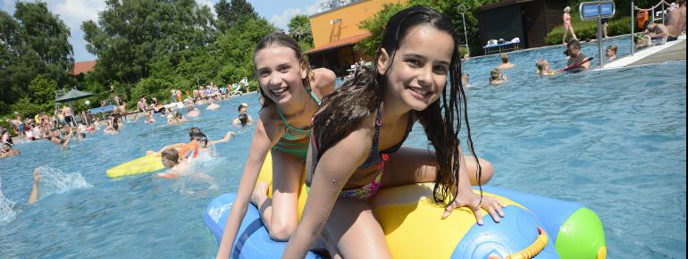 Das Freibad Kaltenkirchen bietet Spaß, Bewegung und Erholung für die ganze Familie.