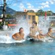 Vor allem Kinder und Jugendliche haben großen Spaß im Freibad in Leopoldskron.